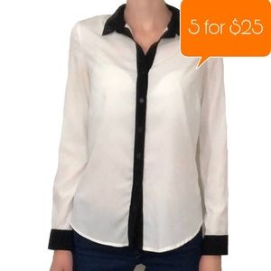 Jessica Simpson embellished collar button down top